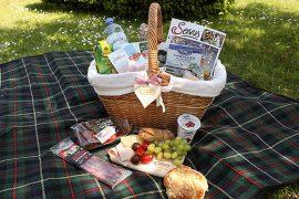 servus-heumilch-picknick-augarten-wien